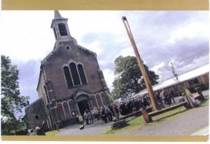 Haut-Bois : L'église et la sculpture de Xavier Rijs (2009)